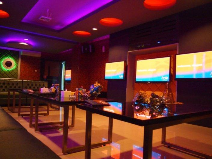 Tempat Karaoke Hello fktv - Room VVIP